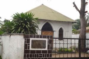 """La chapelle Sims, le plus ancien temple protestant """"en dur"""" de Kinshasa"""