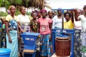Face à l'insécurité alimentaire, des pêcheurs se reconvertissent en paysans