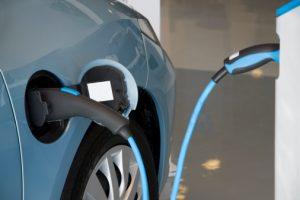 L'invité de Phare FM du 9 décembre – Yoann Nussbaumer – La voiture électrique, solution aux pics de pollution ?