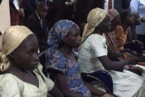 Nigéria : 21 filles de Chibok réunies à leur famille