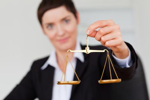 Bras de fer entre le ministère et les avocats