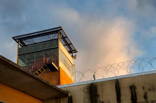Dégradation des droits pour les étrangers en rétention