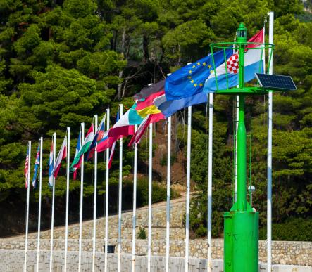 Trop de pays membres dans l'Union européenne ?