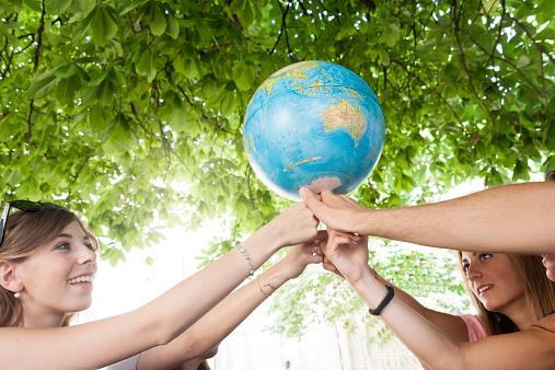 Colloque : Terre créée, terre abîmée, terre promise