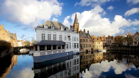 Zoom sur la «dynamique néo-évangélique» en Belgique