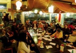 Les cafés « Sagesse de l'humanité » font dialoguer les religions à Genève