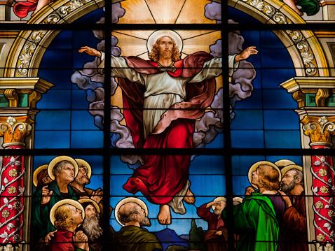 La résurrection: une réhabilitation du Jésus crucifié