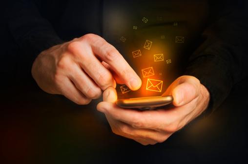 Le mobile, un trentenaire qui veut rivaliser avec Dieu