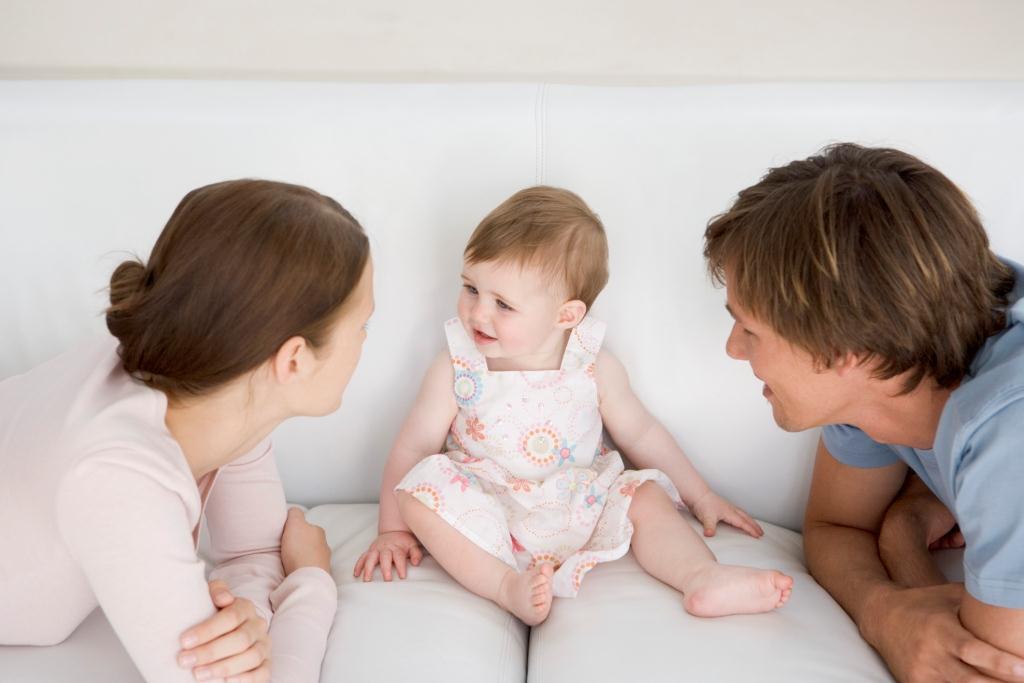 « Mariage pour tous » : le droit des enfants à avoir un père et une mère fragilisé ?