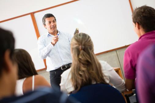 La réforme des programmes scolaires en débat