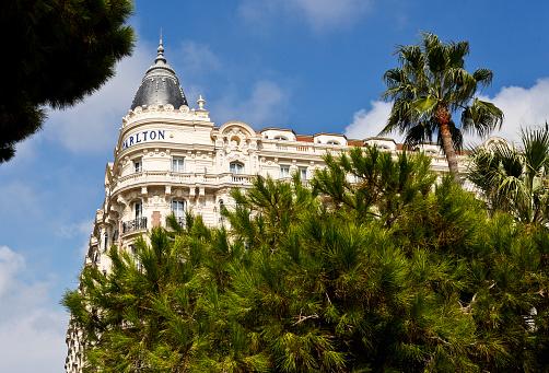 À Cannes, le Festival… et les SDF