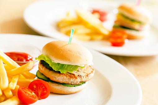 Le hamburger et le prochain