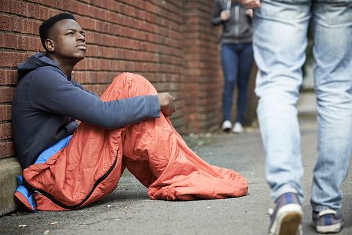 Héberger des jeunes en situation de non-droit