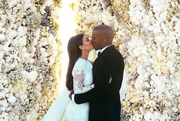 Kim Kardashian et Kanye West mariés par un pasteur