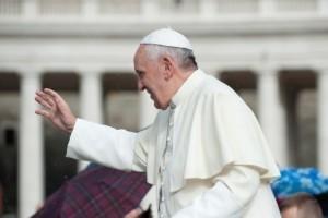 Le pape demande à chaque paroisse d'accueillir une famille de migrants