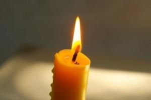Une bougie pour éclairer le monde