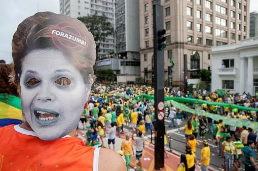 Dilma Rousseff contestée au Brésil