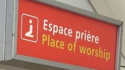 Accompagner et rassurer les voyageurs à l'aéroport