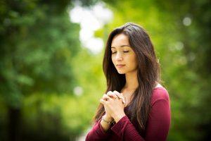 La femme au cœur des religions