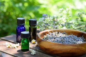 Les huiles essentielles à glisser dans votre valise