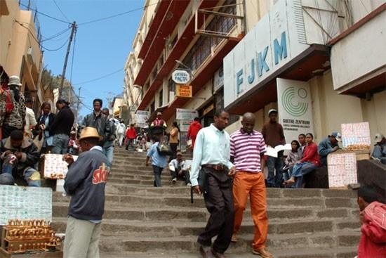 Madagascar : turbulences à la FJKM