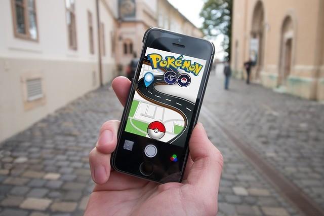 Sur le parvis, les Pokémons