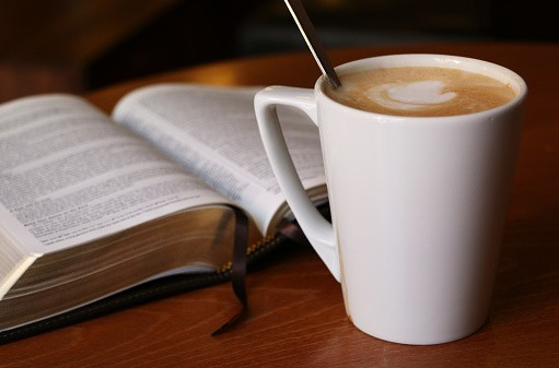 Quand Dieu s'invite au café