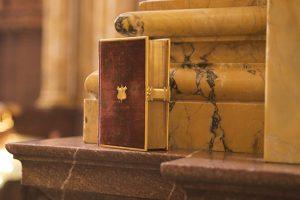 Donald Trump prêtera serment sur deux Bibles