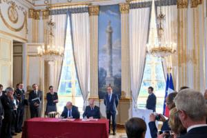 Les couloirs humanitaires : signature du protocole d'accord à l'Elysée