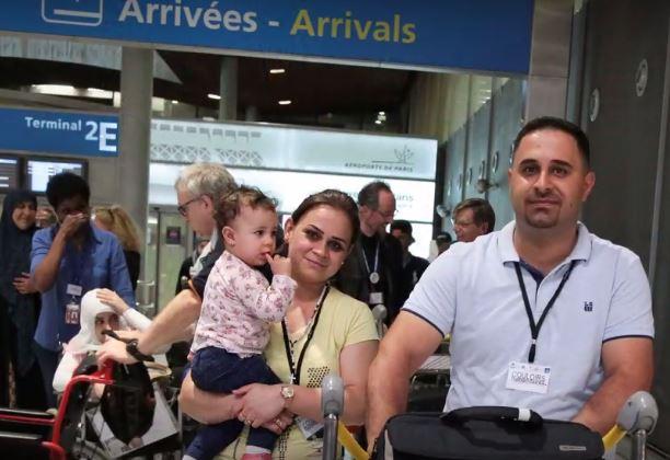 Couloirs humanitaires : les premières familles sont arrivées en France