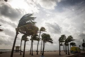 Tempêtes, séismes et menaces
