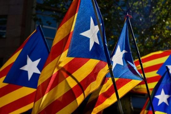L'Espagne ne devrait-elle pas autoriser le référendum en Catalogne ?