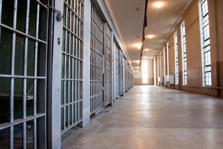 Prisons françaises : comment considérons-nous les détenus ?