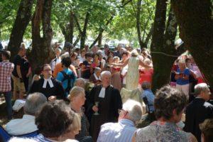 Prier sur la voie publique en France