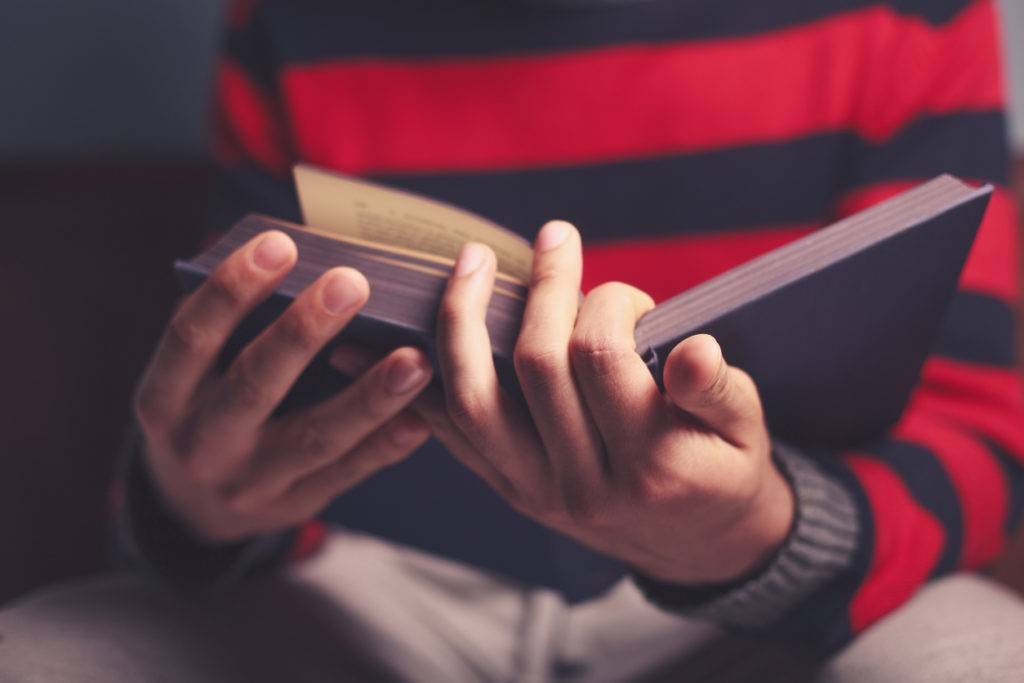 PAR QUEL LIVRE COMMENCER À LIRE LA BIBLE ?