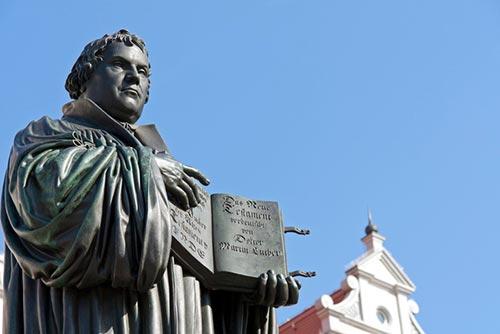 Au pays de la Réforme, la lecture de la Bible se perd