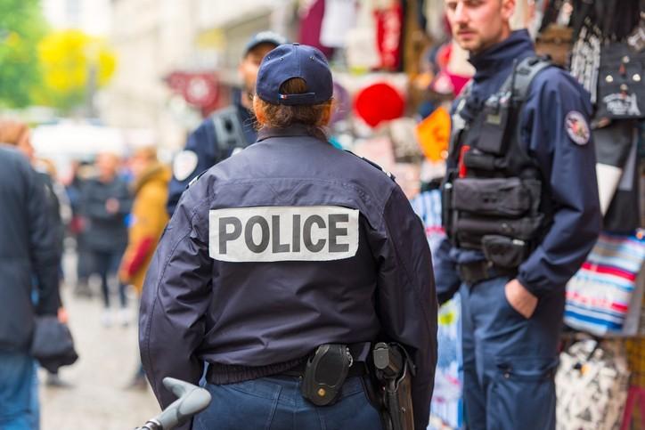 Violences contre les autorités