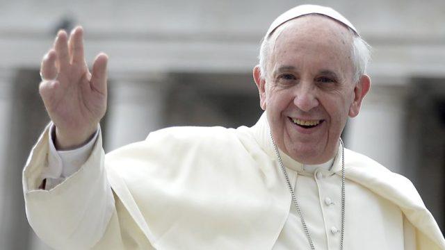 Le pape François appelle à marcher main dans la main avec l'Alliance biblique universelle