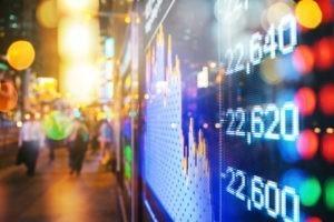 L'économie est-elle au service des salariés ou des spéculateurs ?
