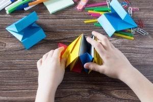 Doit-on forcément occuper les enfants ?