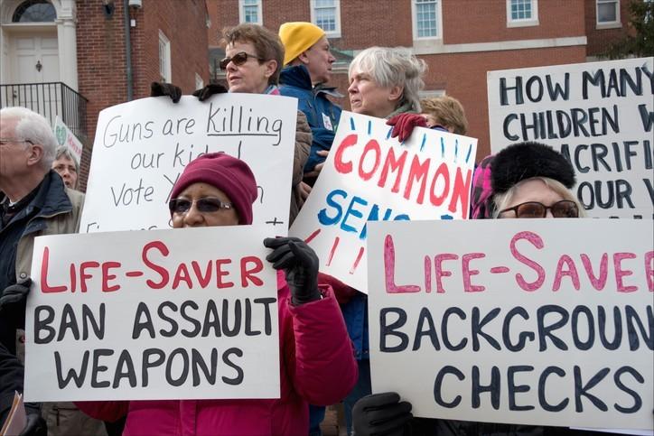 États-Unis : la NRA, les armes et les enfants