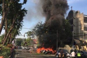 Réaction aux attentats de Surabaya en Indonésie