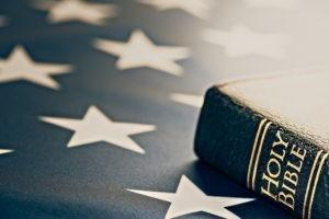 La plupart des Américains croient, mais pas toujours au Dieu de la Bible