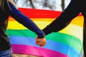 Pour ou contre la bénédiction des couples homosexuels ?