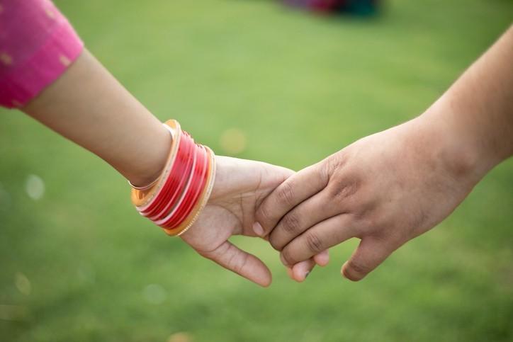 En Inde, les couples interreligieux subissent des violences