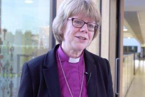 Egalité hommes-femmes dans les Eglises : encore un effort !