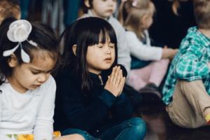 Que ton règne vienne… Thy Kingdom come