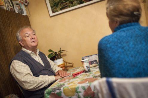Canicule : prendre soin des personnes âgées isolées