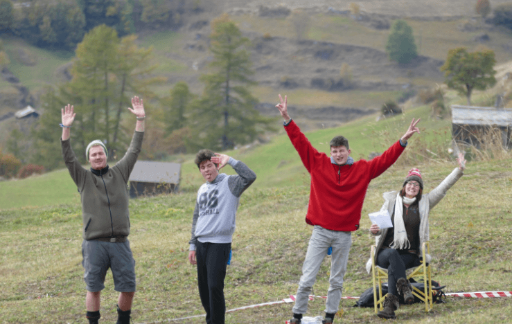 Des jeunes réformés à la ferme
