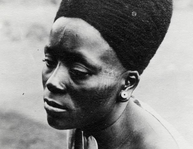 Lydia Mengwelune, la danseuse du roi